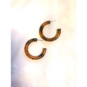 Jewelry - Tortoise hoop earrings.